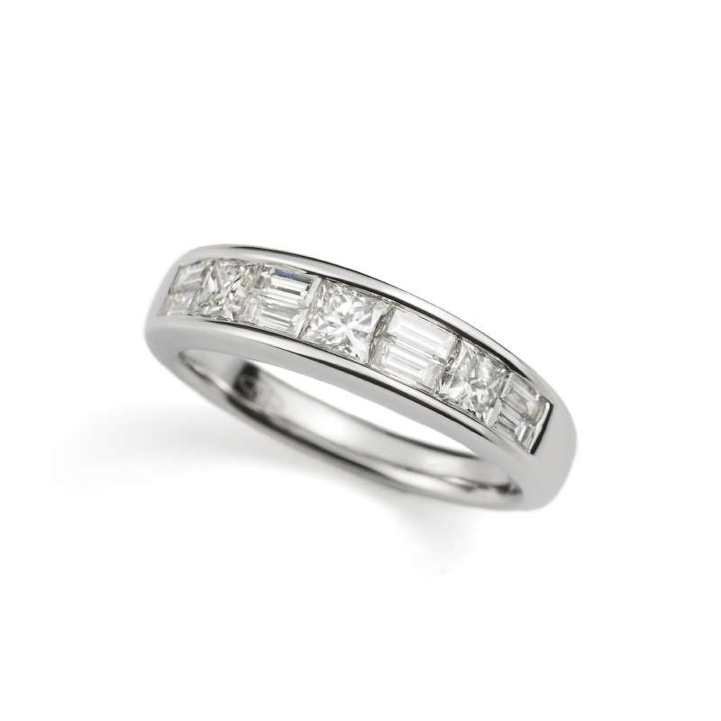 18k White Gold Princess and Baguette Cut Diamond Half Eternity Ring 1.15ct